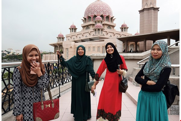 Malays comprise more than half of Malaysia's population. Most are Muslim, and they tend to have happy, easy-going dispositions. (photo by Jimmy Lin)