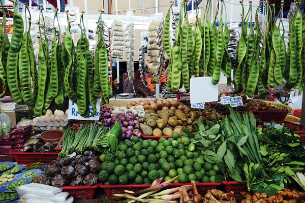 Malaysia has a rich and varied cuisine, and its markets offer an abundance of snacks and spices.
