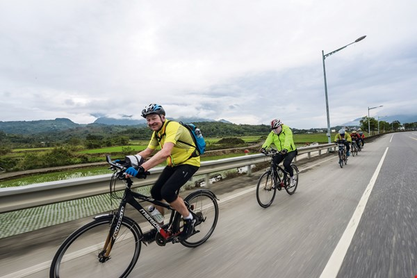 Foreign cyclists yearn to experience the beauty of Taiwan's seasons and the richness of its cultural terrain.