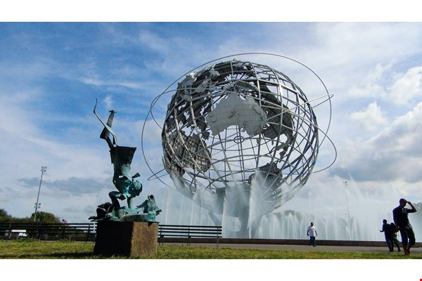 Subduing, in front of the landmark Unisphere in New York's Corona Park, exudes a majestic grandeur.