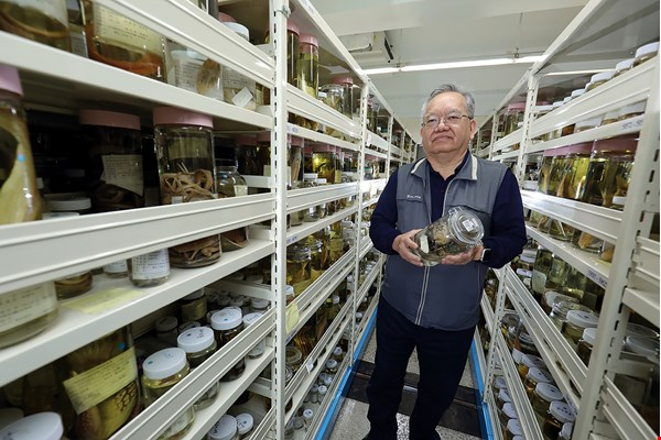 Oceanographer Shao Kwang-tsao has spent 25 years compiling the Fish Database of Taiwan. Taiwan boasts one-tenth of all the ocean fish species in the world.