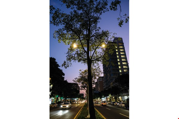 Taipei City is testing Smart IoT Street Lights along Jiankang Road.