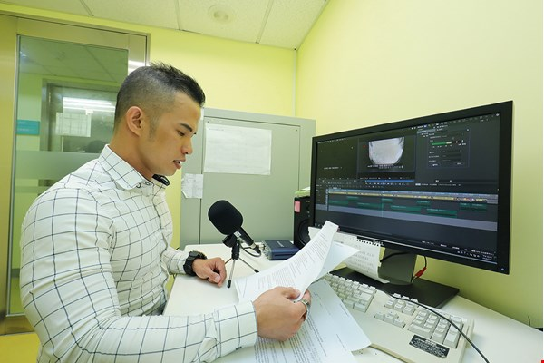 Shown here recording an Indonesian-language broadcast at PTS, Tony Thamsir is working to provide Taiwan's immigrant community with the latest news.
