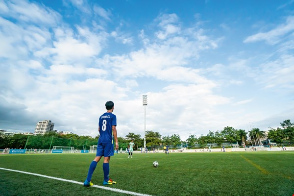 The 2018 Taiwan Cup International Immigrants Soccer Competition featured eight outstanding teams from around Taiwan facing off at the Xin­zhuang Sports Field in New Tai­pei City for the championship. (photo by Lin Min-hsuan)
