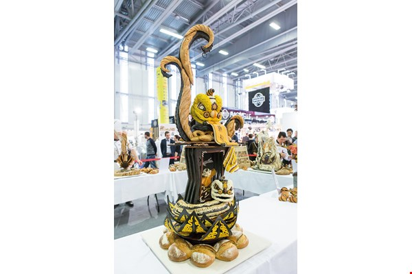 The photo shows the work, based on the traditional Chinese Lion Dance, that won a worldwide award for Chen. (courtesy of Chen Yao-hsun)