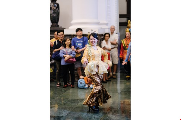 Indra Tan, Gema Angklung's leader and a lover of dance, also heads the VIT Dance Group, which gives performances of Thai, Vietnamese and Indonesian dance.