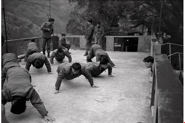 The exercise ground is a place where new recruits get the smiles wiped off their faces. (photo by Tien Yu-hua)