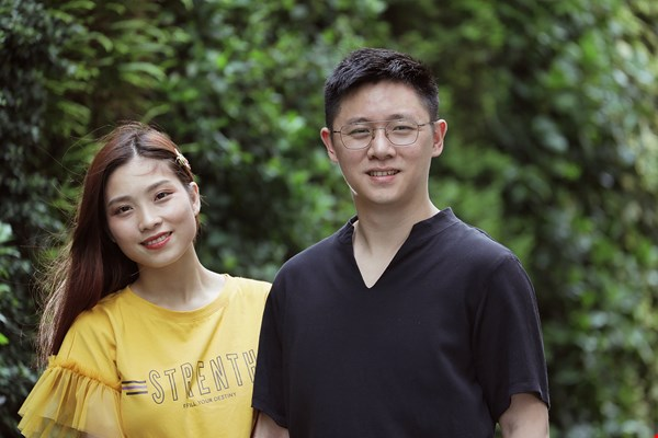 Nguyen Thu Hang and her husband John Li run a YouTube channel, Hang TV, which they use as a platform for exchange about Taiwanese and Vietnamese cultures. (photo by Jimmy Lin)