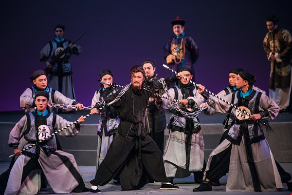 The opera Lin Zhanmei features exciting martial scenes, as well as impressive music.