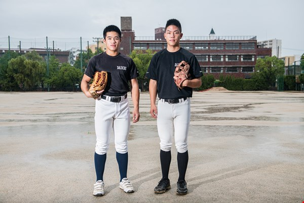 Lan Huai-chien (left) and Chen Chang-heng (right) have both staked their futures on baseball, and are making steady progress toward their goals.