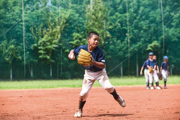 Young athletes in Hsinchu and Miyazaki build friendships through baseball.